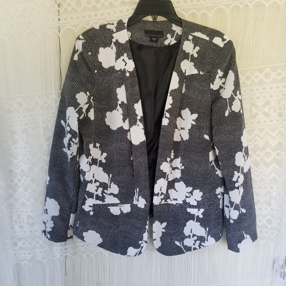 attention Jackets & Blazers - attention Black/White Long Sleeved Blazer Size 16